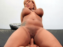 Chubby Ms.Yummyxxx bounces hither Sean's big horseshit