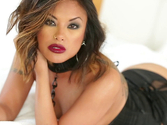 Well done Kaylani Lei uses one as well as the other forearms added to her mouth to get a man off