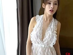 Chinese Model: Zhou Yanxi(周妍希) shows her sweet pussy for more videos http://cu5.io/rTNHNW