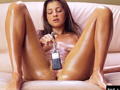 Teen brushes herself at hand nobble and cums hard