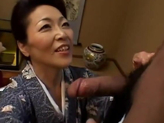 Japanese granny takes a oral-job