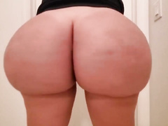 Curvy XXX! Second-rate and busty blonde purblind MILF feels confident on webcam